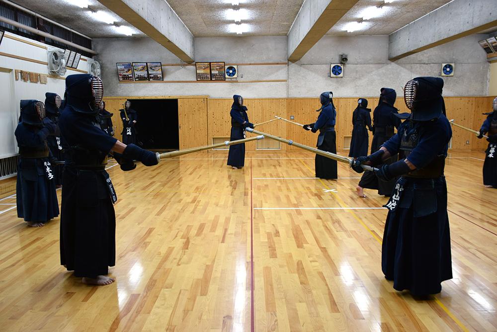 津山月曜会での剣道練習 クリストファー フォウさん
